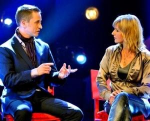 Hypnotiseur Alexander Seel mit Barbara Eligmann bei SAT1 Dreharbeiten